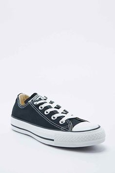 Converse Chuck Taylor Trainers in Black