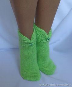 носки, гольфы, носки вязаные, обувь для дома, носки в подарок, подарок на день рождения, новогодний подарок, носочки, шерстяные носки, подарок девушке, подарок на рождество, носки из кашемира, следки Crochet Mittens, Knitted Slippers, Wool Socks, Knitting Socks, Hand Knitting, Crochet Baby Dress Pattern, Baby Knitting Patterns, Crochet Ripple, Modern Crochet