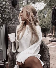 Image discovered by 𝒮. Find images and videos about girl, fashion and style on We Heart It - the app to get lost in what you love. Summer Outfits, Cute Outfits, Summer Dresses, Summer Shorts, Winter Outfits, Photoshoot Inspiration, Style Inspiration, Girl Fashion, Fashion Outfits