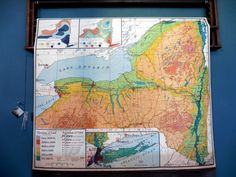 Old pull down school map of New York State from 1924. Color is great, map is in excellent condition. Paper on linen.