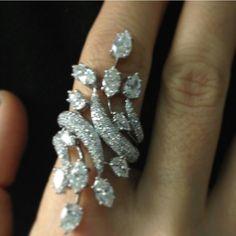Beautiful diamond ring ~ Instagram