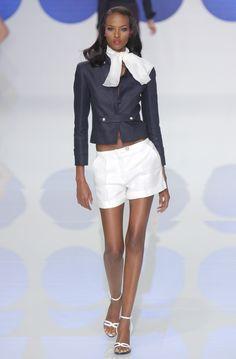 """somalibeauty: """"Great genes #Yasmin Warsame Great legs as well """""""