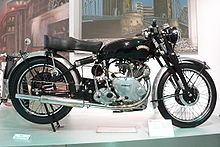 Vincent Comet from 1950 at the Deutsches Zweirad- und NSU-Museum British Motorcycles, Vintage Motorcycles, Vincent Black Shadow, Vincent Motorcycle, Honda Legend, Amphibious Vehicle, Racing Events, Black Lightning, Models