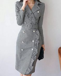 Read more The post Lapel Black Midi Dress Sheath Daytime Buttoned Gingham Dress appeared first on How To Be Trendy. Trendy Dresses, Modest Dresses, Elegant Dresses, Trendy Outfits, Nice Dresses, Casual Dresses, Dresses For Work, Hijab Casual, Ladies Dresses