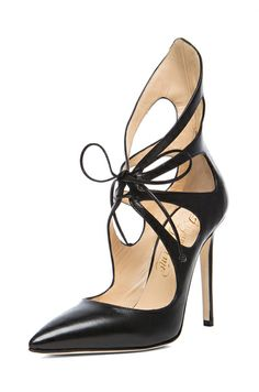 then there was this beautiful shoe. This goes in my Christmas list!  Hey, I can wear these while homeschooling- they'd look fab with my sweats! ;)