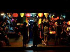 So viel bunte Lampions in HoiAn. Wie könnte man da widerstehen ;)  #vietnam #hoian #lampions #souvenirjäger #souvenir #asien #lichterkette #globesessions Hoi An, Hue, Vietnam, Concert, Souvenir, Paper Lanterns, String Lighting, National Forest, Asia