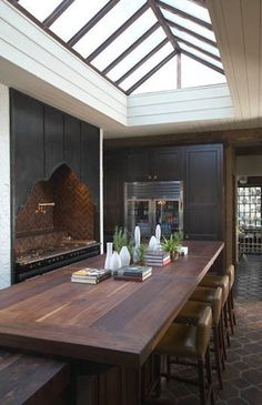 A dining kitchen.... and that skylight!