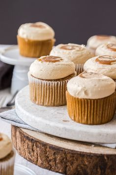Cinnamon Cupcakes, Carrot Cake Cupcakes, Cupcake Cakes, Cup Cakes, Salted Caramel Frosting, Cupcake Recipes, Icing Recipes, Muffin Recipes, Christmas Desserts