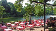 11 schöne Cafés und Restaurants am Wasser | Mit Vergnügen Berlin Restaurant Am Wasser, Patio, Table Decorations, Outdoor Decor, Berlin, Restaurants, Home Decor, Summer Garden, Beer Garden