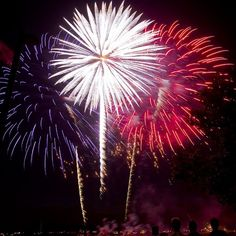 | 4th of July Fireworks***... | flickr.com Photo, Sam Posten III, Red White and Blue Fireworks | Petit-Swag |