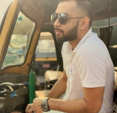 Hridoy Khan Famous Singers, Pilot, Mens Sunglasses, Actors, Fashion, Moda, Fashion Styles, Pilots, Men's Sunglasses