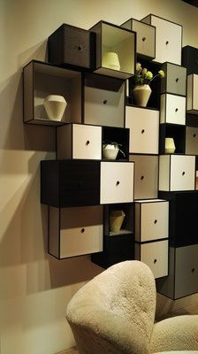 Wandregal aus Kuben Visual Merchandising, Shelving, Inspiration, Furniture, Home Decor, Shelves, Biblical Inspiration, Decoration Home, Room Decor