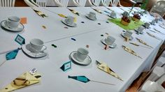 Decoración de mesa Día del Padre Table Decorations, Google, Home Decor, Paper Envelopes, Recycled Materials, Candy Stations, Shapes, Manualidades, Decoration Home