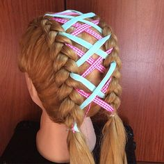 Side braid hairstyles are the ultimate cure for a lifeless mop of long hair. If you're looking for a suitable way to liven up your Rapunzel-like stands, one of these twenty side braids will be sure to sweep you right off your feet! Loose Side Braids, Quick Braids, Big Braids, Small Braids, Braids For Long Hair, Second Day Hairstyles, Side Braid Hairstyles, Mermaid Tail Braids, Air Dry Hair