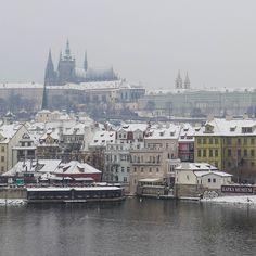 #prague #prag #praha #winter #snow #cold #hradschin #moldau #moldavia #river