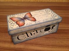Caixa de chá Craft Projects, Projects To Try, Decoupage Box, Pretty Box, Diy Box, Casket, Shoe Box, Trinket Boxes, Wooden Boxes