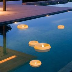 Sie sind einmalig in Größe und Form und grandios in ihrer Wirkung: die Finca Schwimmkerzen! They are unique in size and shape and grandiose in their effect: the Finca Floating Candles!