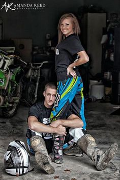 ideas for dirt bike pictures motocross Motocross Photography, Bike Photography, Couple Photography, Engagement Photography, Photography Ideas, Motocross Wedding, Motocross Couple, Dirt Bike Wedding, Motocross Girls