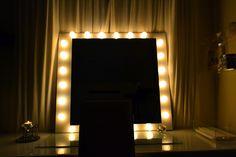 Veja como fazer espelho com luzes de uma maneira simples e acessível! Confira!