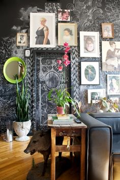 Art wall meets crazy chalkboard wall.