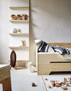 STACKABLE BED plywood & vtwonen huiscollectie