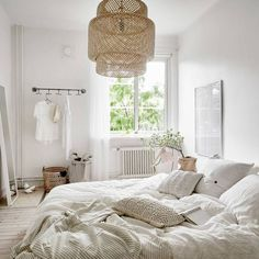 8 Eye-Opening Diy Ideas: Minimalist Home Office Decoration boho minimalist decor home.Minimalist Home Diy Small Spaces minimalist bedroom decor boho chic. Stylish Bedroom, Cozy Bedroom, Home Decor Bedroom, Bedroom Beach, Bedroom Ideas, Master Bedroom, Light Bedroom, Bedroom Lamps, Bedroom Chandeliers