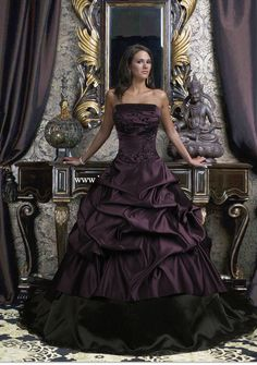 deep purple wedding theme   ... basics of Gothic fashion to find the ultimate Gothic wedding gowns