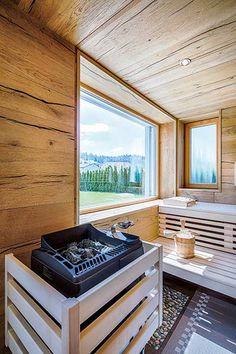Bilder & Fotos von Saunas, Sauna mit Infrarotstrahler, Dampfbad Diy Sauna, Sauna Ideas, Cottage Porch, Backyard Cottage, Cabin Porches, Front Porches, Sauna Seca, Saunas, Outdoor Sauna