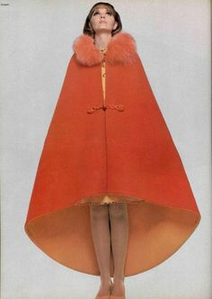 Who is Pierre Cardin? Pierre Cardin is an italian born french fashion designer. 60s And 70s Fashion, Retro Fashion, High Fashion, Vintage Fashion, Fashion Art, Womens Fashion, Fashion Trends, Pierre Cardin, Christian Dior