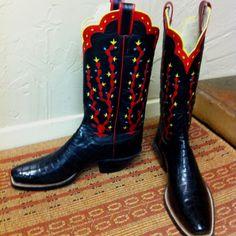 Black Gator boots with custom cactus inlay....love cactus!!