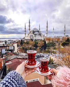 Hold it, Tea in Turkey via Polina Week End Istanbul, Istanbul Turkey, Turkey Vacation, Turkey Travel, Europe Destinations, Turkish Tea, Istanbul Travel, Pamukkale, Cappadocia