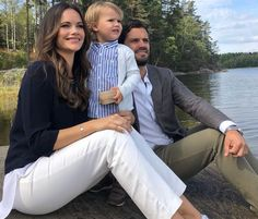 Prince Carl Philip and Princess Sofia of Sweden brought their eldest son Prince Alexander to visit his duchy Södermanland. Casa Real, Princess Margaret, Princess Mary, Princess Sofia Of Sweden, Prince Carl Philip, Swedish Royalty, Queen Silvia, First Daughter, Princesa Diana