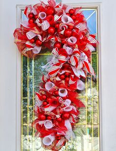 Fun Christmas Door Decoration,Candy Cane, Red and White Candy Cane Wreath, Candy cane Front Door Hanger, Christmas Wreath, Holiday Wreath