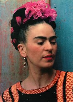 Frida Kahlo, in a 1939 photo. Incredible texture/color