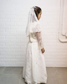 Vestido de Comunión 2018, dos piezas y velo de y un bordado