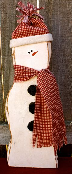 Primitive Chunky Carved Wood Snowman with Fabric Hat & Scarf, Freestanding Hand-Painted Snowman, Winter and Christmas Wood Snowman Decor Winter Wood Crafts, Christmas Wood Crafts, Primitive Christmas, Christmas Snowman, Christmas Projects, Holiday Crafts, Christmas Crafts, Winter Home Decor, Holiday Ideas
