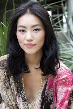 the beauty lover: liu wen Medium Hair Cuts, Medium Hair Styles, Short Hair Styles, Medium Cut, Asian Haircut, Lob Haircut, Hair Inspo, Hair Inspiration, Clavicut