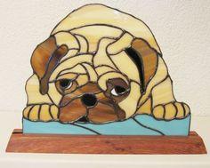 Vitrail Pug par WoodNGlassArt sur Etsy