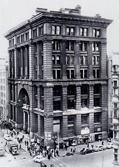 CML Building was completed in 1893 and demolished in 1960, northwest corner of Collins and Elizabeth Streets.