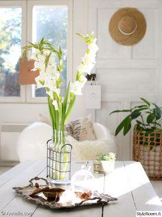 kukkia,vintage,tarjotin,riviera maison
