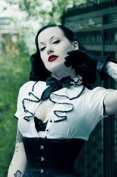 Black-black-and-white-corset-pale-pretty-red-lips-favim.com-74698_large