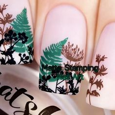 Quick and simple, this nail design is my next go-to! 💅 By: Sveta Sanders Uv Gel Nails, Diy Nails, Cute Nails, Nail Art Designs Videos, Nail Art Videos, Nail Polish Dupes, Gel Polish, Nail Art Stencils, Stamping Nail Art