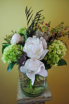 A pretty Mother's Day arrangement.