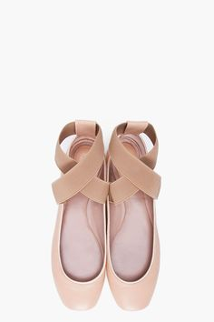 I love ballet pointe shoes.. They are so cute and now that they make flats that look like them I want some