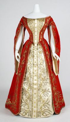 Ceremonial dress of Maid of Honour to the Russian Imperial Court. Circa 1900.