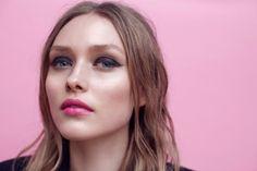 Bright pink lips, ac
