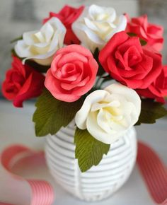 Tricolor Crepe Paper Rose Bouquet   Make the most beautiful DIY paper roses with this tutorial (along with printable templates for paper flowers).