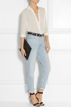 high rise boyfriend jeans #outfit #newyork #american #summer #fashiondesigner #designer #street #streetoutfit #summeroutfits #outfit #outfitmagazine #outfitmag #fashion #style #streetfashion #outfitideas #dailyoutfitideas #ootd #outfitoftheday #beauty #fashionblogger #blogger