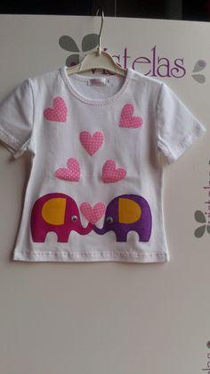 VISTELAS. Camiseta Elefantes Enamorados