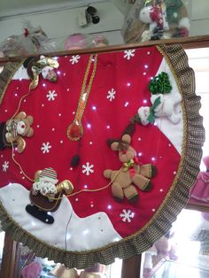 Christmas Wreaths, Christmas Decorations, Christmas Tree, Holiday Decor, Tree Skirts, Ideas Para, Crafts For Kids, Quilts, Gardens